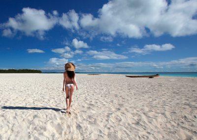 zanzibar-beach-walk
