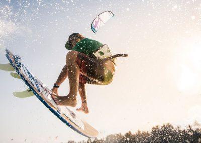 zanzibar-kitesurfing-under-view