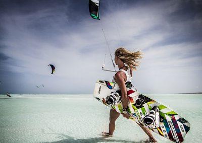 zanzibar-kitesurfing-walk