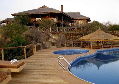 bashai-rift-hotel-pool