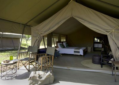 ronjo-camp-tent-inside-serengeti